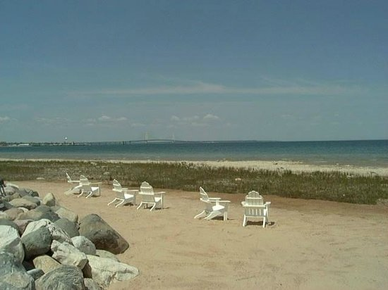 The Shores At Mackinaw: Summertime at The Shores