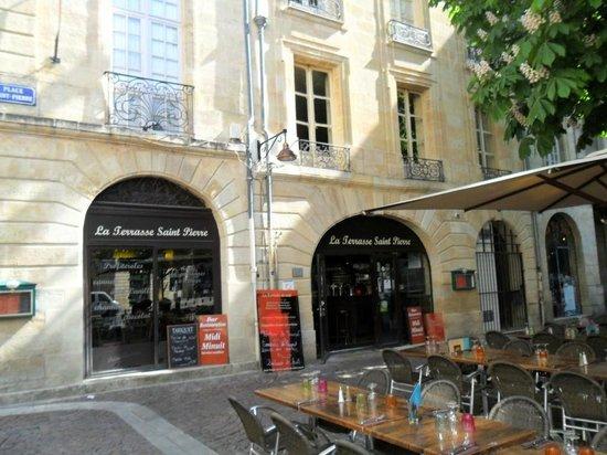 Les Terrasses de Saint Pierre : l'ingresso del ristorante