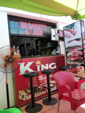 King of Sandwiches : お店