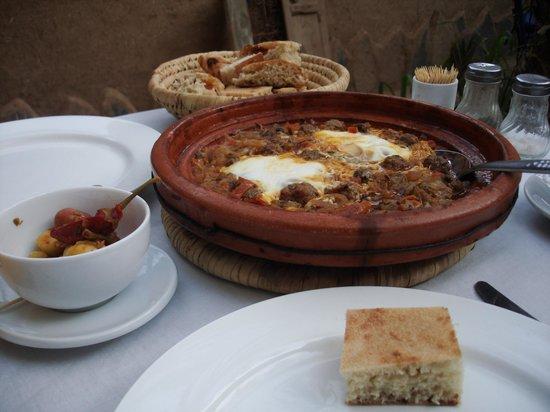 Chez Youssef: Tajine kefta - the best we've eaten in Morocco\Вкуснейший тажин кефта (лучший, что мы попробовал