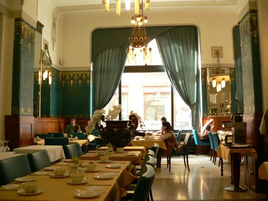 Hotel Paris Prague : Breakfast room but also restaurant at night