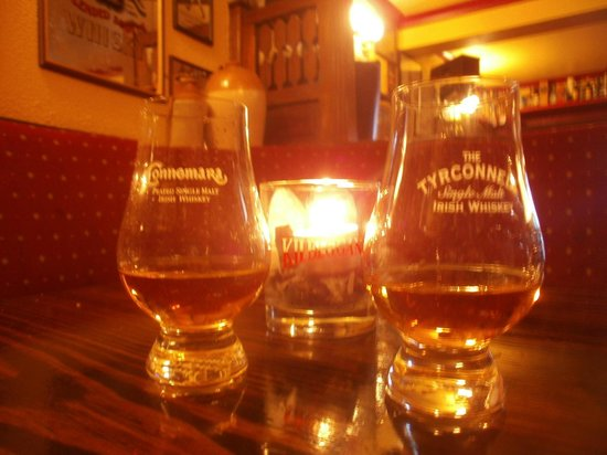 Lowry's Bar: Irish Whiskey