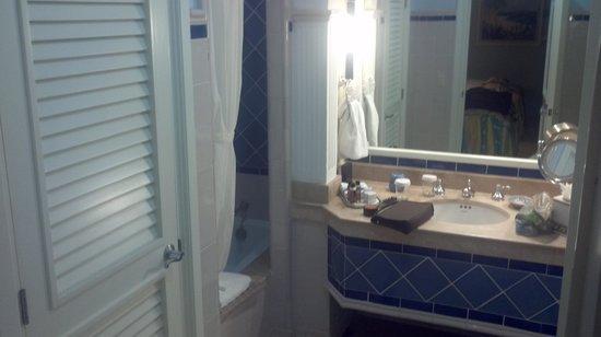 Pueblo Bonito Emerald Bay : Main Bathroom