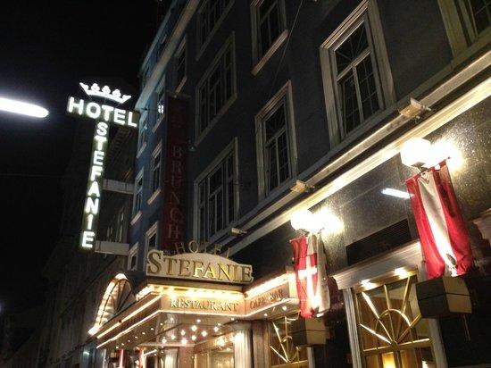 Hotel Stefanie: 外観