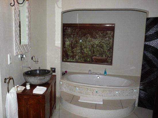 Maliba Mountain Lodge: la salle de bains