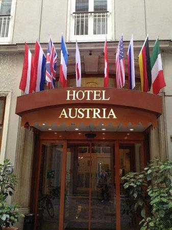 Hotel Austria: 入口
