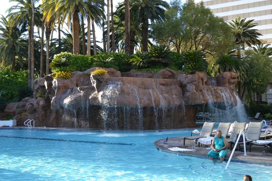 mirage pool picture of the mirage hotel casino las vegas tripadvisor