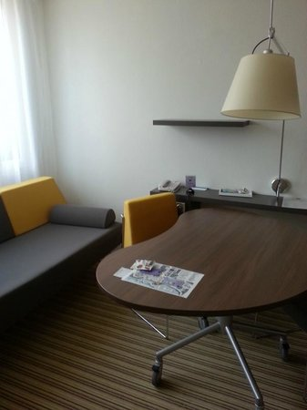 Novotel Suites Cannes Centre: Part of the suite