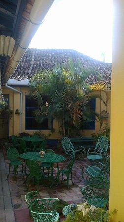 Hostal Lili: patio