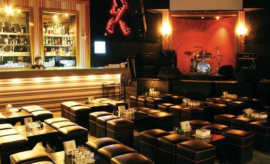 Ratri Samosorn Pub And Restaurant