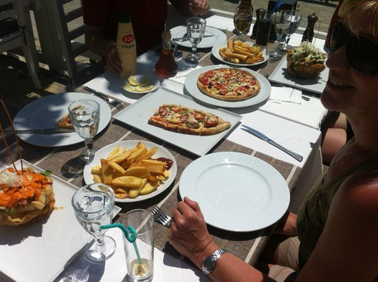 Marina Restaurant: a light lunch!