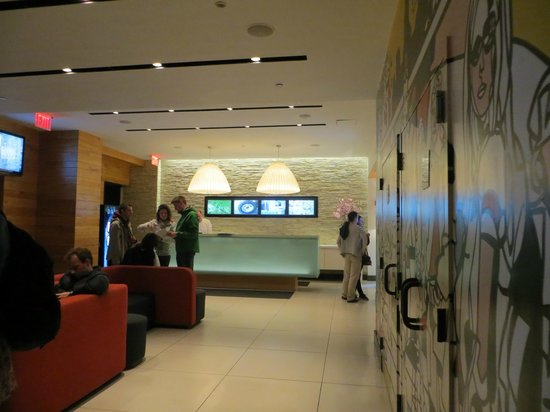 Pod 51 Hotel: Hall del hotel