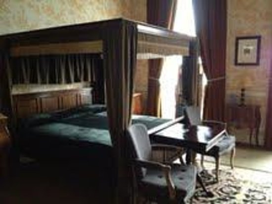 Castle Durrow: Bed- Lord William