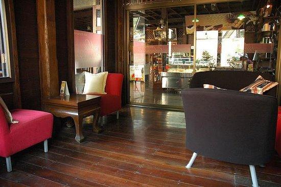 ร้านกาแฟ มิสช็อคโกแลต