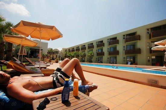 Santa Marina Plaza: Lugnt och skönt poolområde