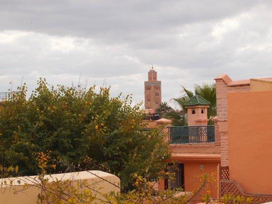 Riad Snan13: Vue de la terrasse - la Koutoubia