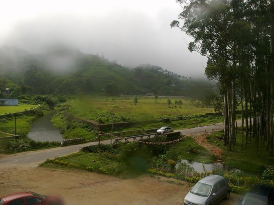 Hillview Munnar : Morning view from hotel room1