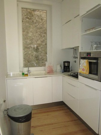Lisbon Serviced Apartments - Praca do Municipio: cuisine
