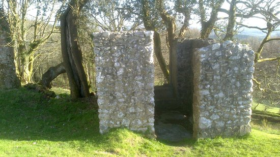 Haldon Belvedere (Lawrence Castle): Old Stone Building in the grounds