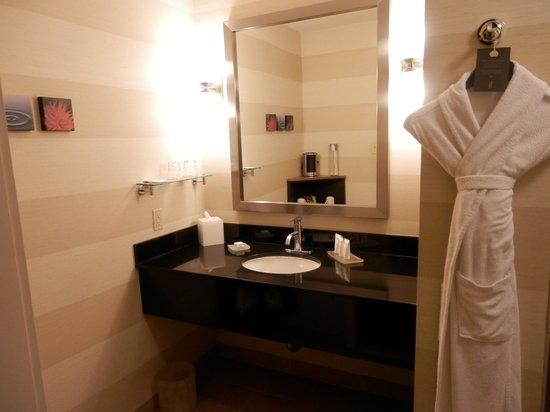 Hotel Angeleno: nice bath