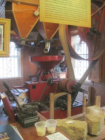 War Eagle Mill : The Milling is running