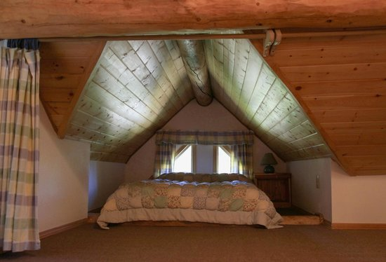 Gate Creek Cabins: Forget Me Not Loft