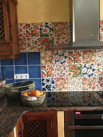La Gallineta de Gata: Cocina. El placer de unos preciosos azulejos