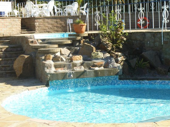 Water's Edge Chalets: Pool refilled for the season