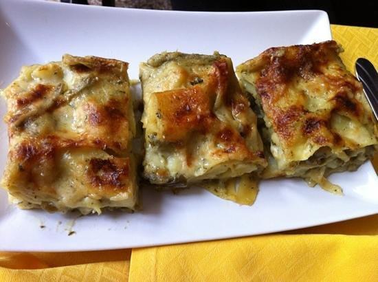 Antica Trattoria Pinelli: Lasagne al pesto, patate e fagiolini