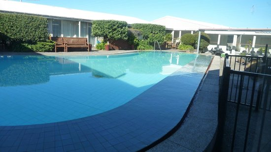 Brentwood Hotel: Swimming pool
