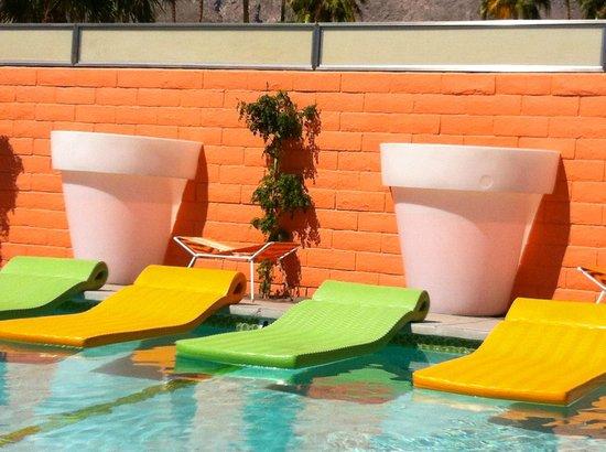 Century Palm Springs: Poolside