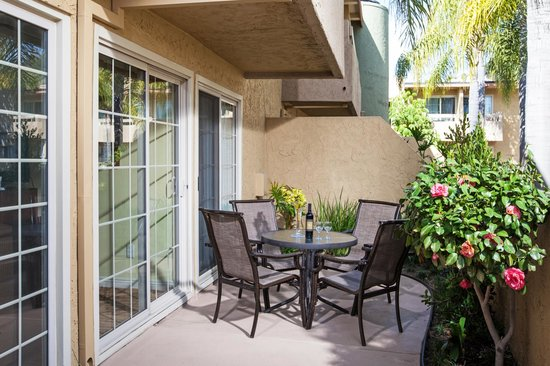 Winners Circle Resort: Private Patio