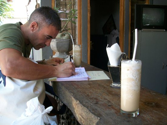 Coral Voice Home Stay and Bar: check in e ice cappuccino di benvenuto
