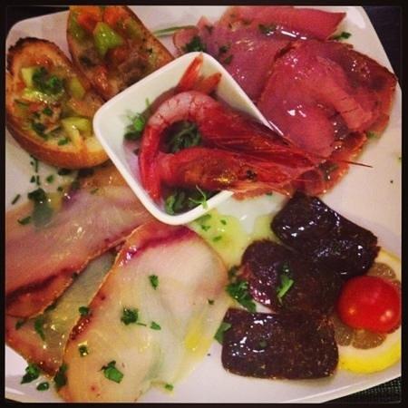 Enoteca Versi di Rosso : piatto di tonnara