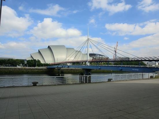 Clyde Arc Bridge: Add a caption