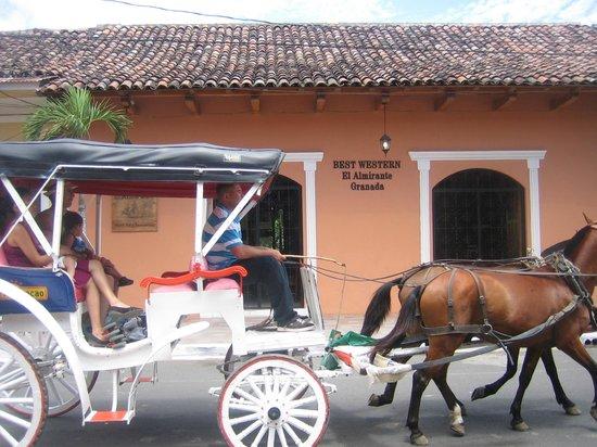 Hotel El Almirante: vor dem Hotel