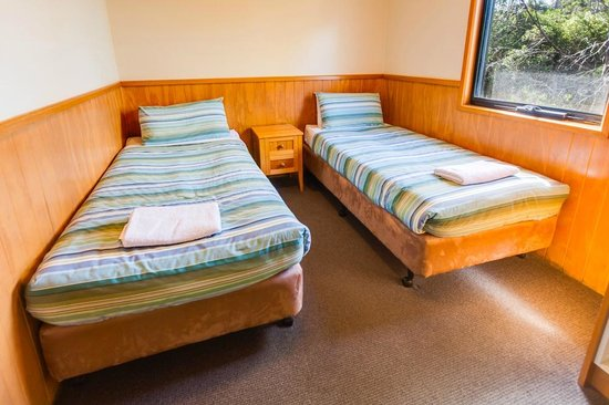 Cradle Mountain Wilderness Village : Chalet 2 Single beds