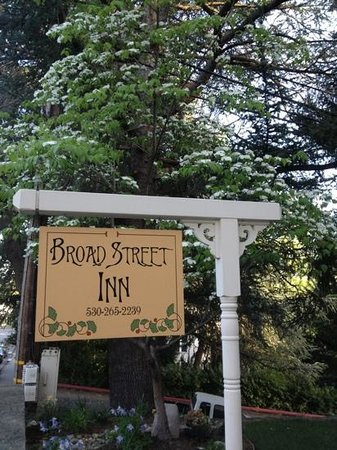 Broad Street Inn: welcome!! :)
