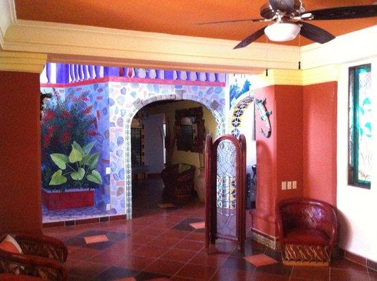 Casa Virgilios: Downstairs lobby