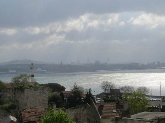 Marmara Guesthouse: View across the Bosphorus