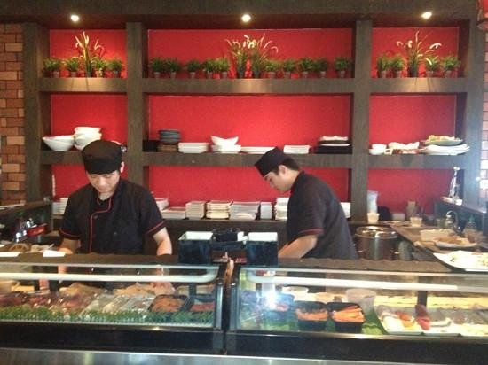 9 East: making sushi