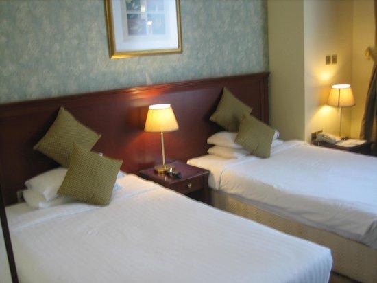 Royal Qatar Hotel: Habitación