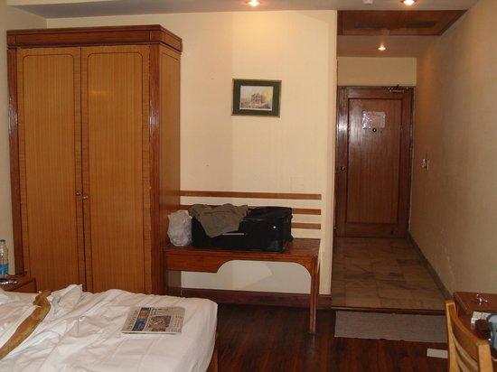 Nirula's Hotel: room