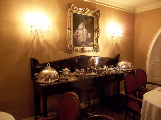 Cabra Castle Hotel: Dining room