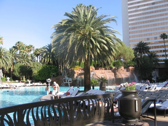 Mirage Pool Picture Of The Mirage Hotel Amp Casino Las