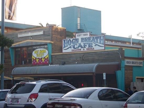Hog's Breath Cafe: Outside