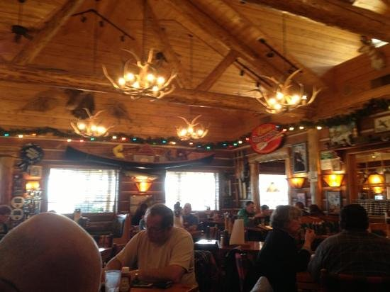 Famous Dave's : interior