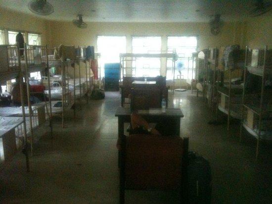 Manila International Youth Hostel Federation : Men's room