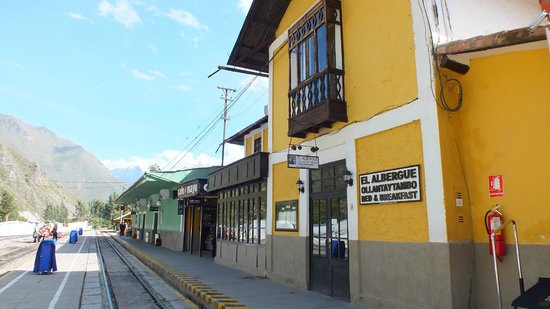 El Albergue Ollantaytambo : Hotel IN the train station