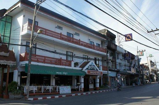 Baiyoke Chalet Hotel: 外観